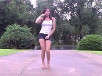 可爱短裤长腿美女热舞 游戏视频