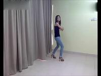 dj舞曲超劲爆美女家中热舞中国