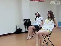 时尚美女性感热舞 性感美腿美女椅子舞