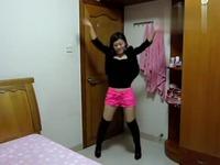 粉色超短裤美女性感热舞 游戏视频