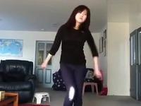 美女性感紧身裤性感热舞自拍 游戏视频