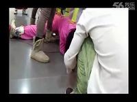 美女中学生 劈腿 很疼 游戏视频