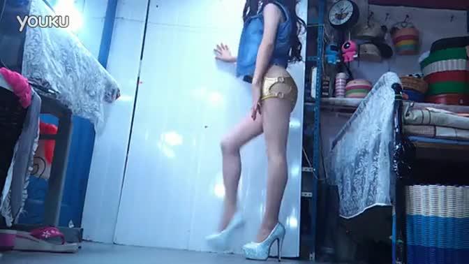 性感黑丝紧身裤美女热舞高清