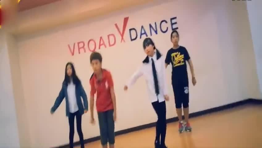 韩国可爱小学生模仿exo-growl舞蹈