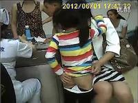 小女孩打针 视频