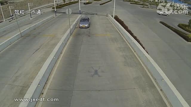 科目二 坡道定点停车及半坡起步 技术要点