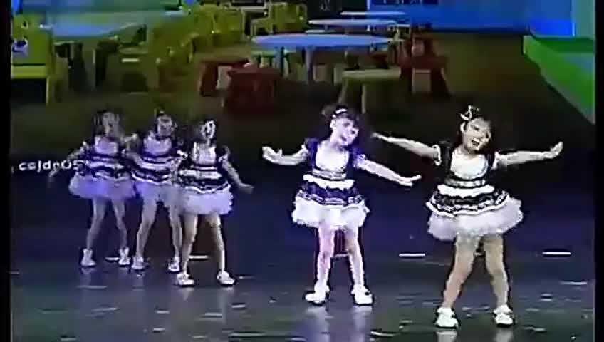 预告片 幼儿园元旦舞蹈十一点半幼儿园六一舞蹈-视频
