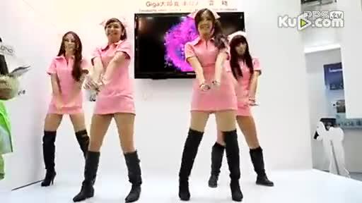 热舞 艳舞 女主播 长靴美女穿性感护士装火 艳舞