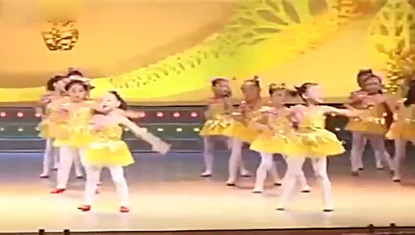 幼儿园舞蹈《快乐儿歌》六一儿童舞蹈教学-视频