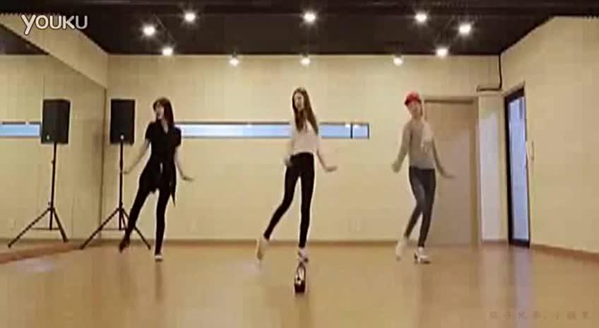 韩国美女 演绎筷子兄弟神曲《小苹果》练习室舞蹈版